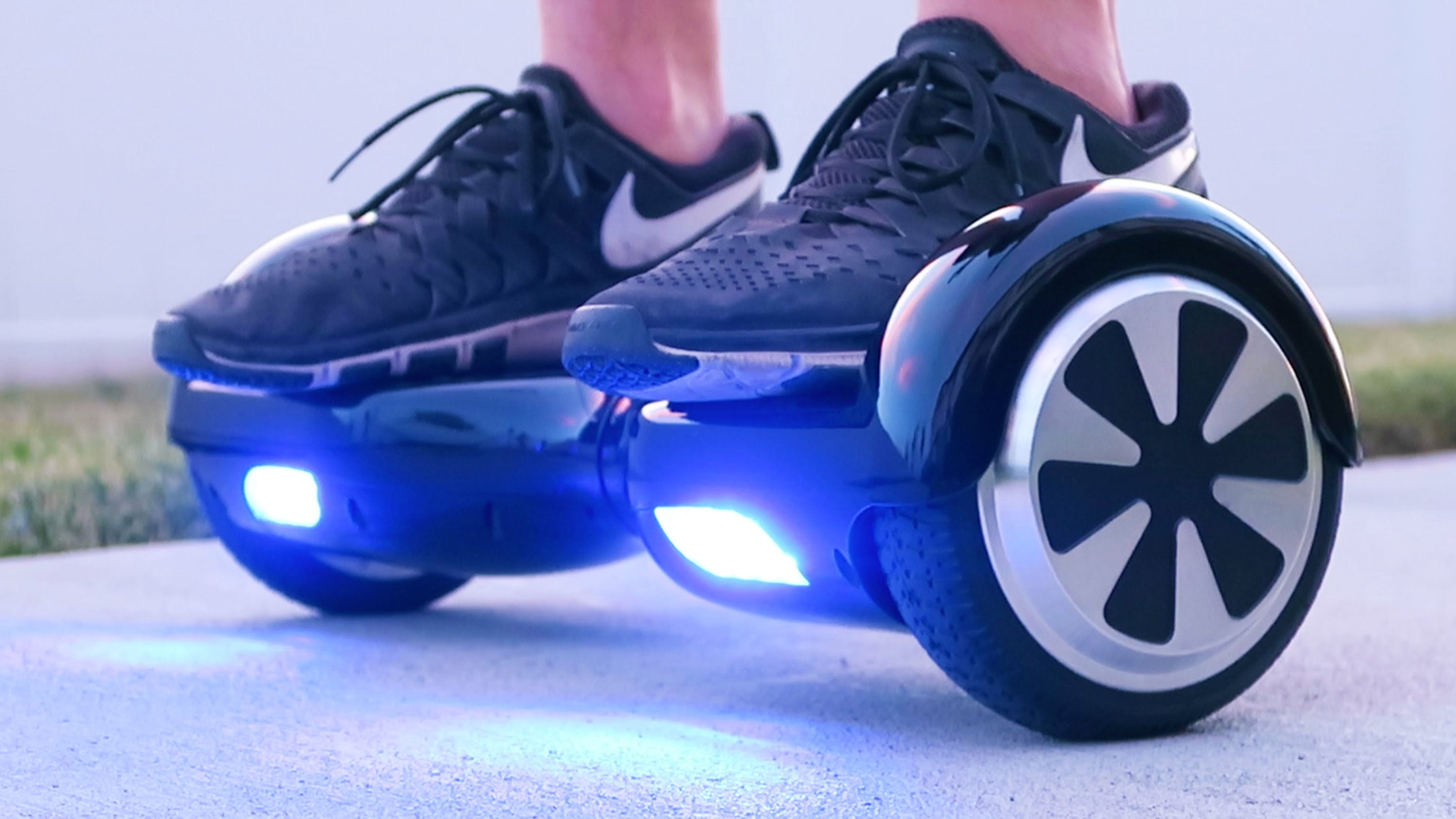 Retiran hoverboards del mercado por no cumplir con requisitos de seguridad.
